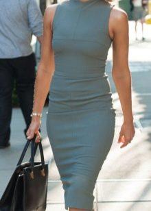 Платье в деловом стиле серого цвета