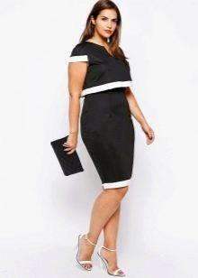 """Черное платье в деловом стиле с белой отачкой для женщин с фигурой """"яблоко"""""""