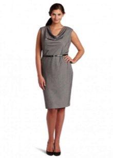 """Платье в деловом стиле для женщин с """"прямоугольной"""" фигурой"""