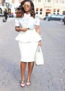 """Платье делового типа для женщин с """"прямоугольной"""" фигурой"""