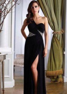 Черное платье в греческом стиле с разрезом
