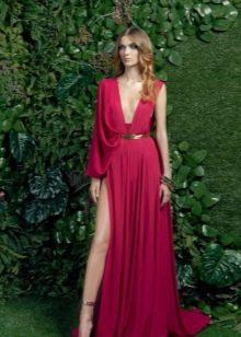 Красное платье в греческом стиле с одним рукавом
