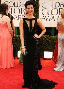 Длинное черное платье с необычное кроем топа