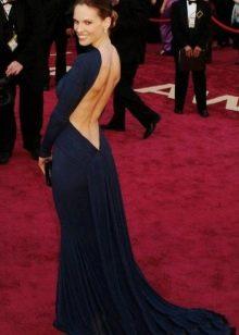 Длинное в пол платье с открытой спиной
