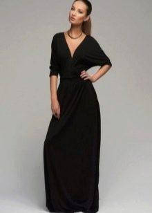 Длинное черное трикотажное платье