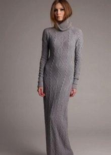 Вязаное длинное в пол платье