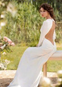 Белое платье в пол с открытой спиной