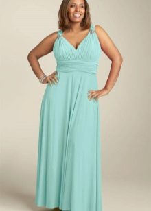 Длинное светлое бирюзовое платье в греческом стиле для полных