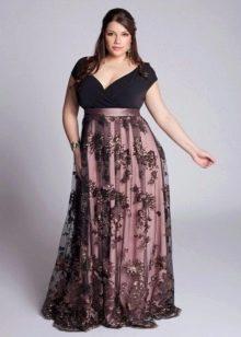 Длинное платье-трапеция для полной девушки