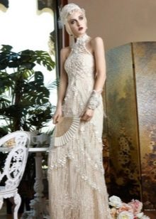 Белое платье в стиле Гэтсби в сочетание с жемчугом