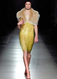 Желтое платье в стиле Гэтсби в сочетание с горжеткой