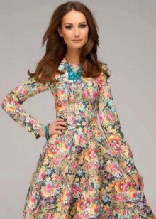 Повседневное летнее платье в восточном стиле с цветочным принтом