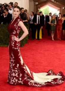 Вечернее длинное в пол платье бордового цвета в восточном стиле
