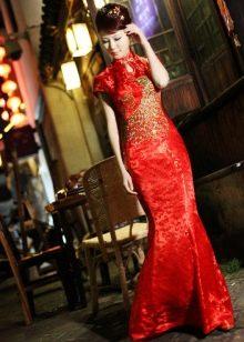 Платье в восточном стиле с золотой вышевкой