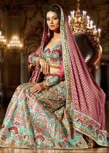 Свадебный наряд в восточном стиле