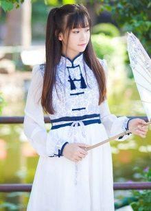 Белое платье в восточном стиле
