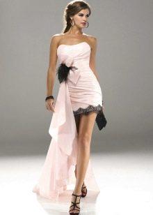 Розовое платье с босоножками