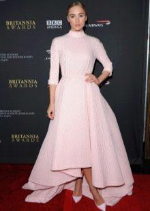 розовое платье с рукавом три четверти