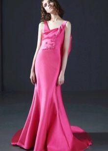 Яркое розовое платье в пол