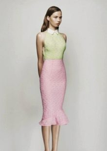 Розовое платье с зеленым верхом
