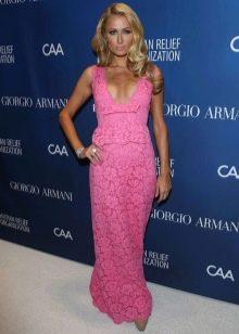 Розовое платье Пэриз Хилтон