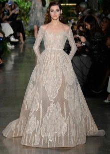Пышное шелковое платье