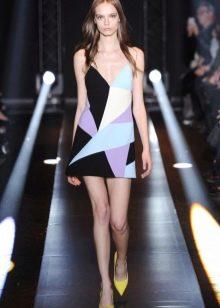 Прямое шелковое платье с геометрическим принтом