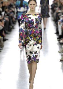 Прямое шелковое платье с цветочным принтом