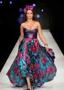 Шелковое платье для полных с принтом