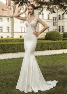 Свадебное шелковое платье облегающее