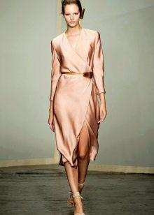 Прямое шифоновое платье миди с рукавами