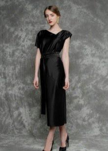 Черное платье для работы из шелка