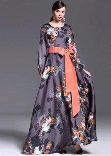 Цветочное закрытое шелковое платье в пол