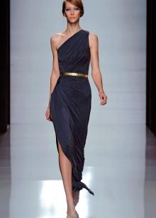 Черное легкое платье из шелка