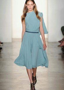 Голубое шелковое платье короткое
