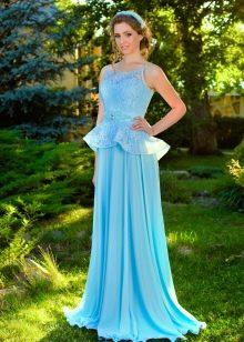 Голубое шелковое платье с кружевом
