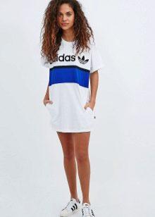 Кроссовки под спортивное платье