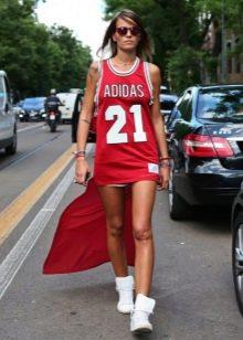 Спортивное платье от Адидас короткое спереди длинное сзади