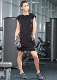 Спортивное платье с карманом  черное