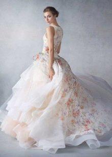 Цветочный принт на свадебном платье