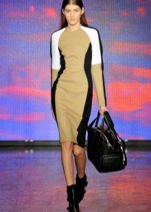Спортивное платье с телесной вставкой