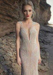 Платье в стиле нюд с кружевом