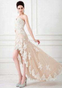 Платье в стиле нюд короткое спереди длинное сзади