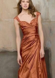 Терракотовое платье для девушек со светлой кожей