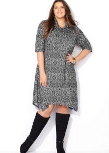 Серое трикотажное платье средней длины фасона трапеция для полных