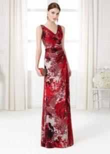 Вишневое платье с принтом