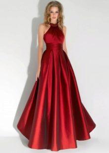 Вишневое платье в пол