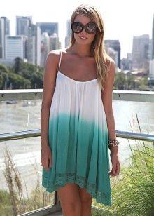 Асимметричное расклешенное двухцветное платье