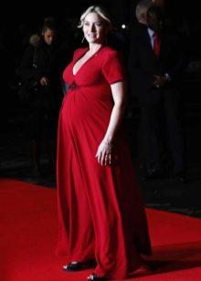 Красное длинное платье в пол с коротким рукавом для беременных