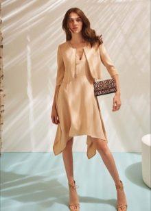 Расклешенное короткое платье